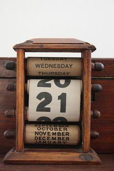 Resultado de imagem para calendário escritório vintage