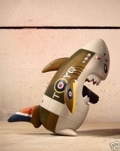 toycutter: Designer Vinyl Toy: Bomber-style Sharky by Huck Gee