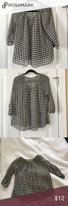 """Talbots Houndstooth Blouse No tag 😩 but I know it is Talbots. It is a sheer with a little bit of stretch to the fabric. Measurements: armpit to armpit across front 22"""", sleeves are 3/4 length, from next down back 23"""". Talbots Tops Blouses"""