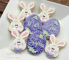 Eggs & Bunnies Custom 3 cookie favorsdesigned especially for Ann Thank You! Fancy Cookies, Cute Cookies, Easter Cookies, Easter Treats, Holiday Cookies, Cupcake Cookies, Sugar Cookies, Easter Snacks, Cookie Favors