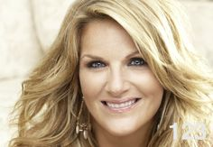 Grammy Award-winning singer and host of the Emmy Award-winning Trisha's Southern Kitchen, Trisha Yearwood joins Andrew and Molly to talk about Nashville, karaoke, and her new projects.