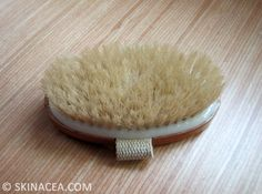 how to dry brush your skin to reduce cellulite!