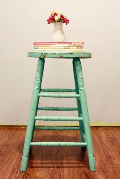。°★。°★。   ★° stool vignette    Vintage Home