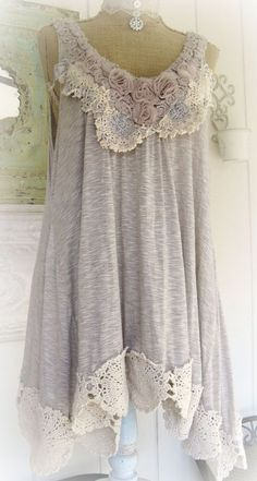 idea for tunic refashion with lace, crochet, doilies, fabric roses by PARIS Rags Diy Clothing, Sewing Clothes, Refashioned Clothing, Ropa Shabby Chic, Shabby Chic Fashion, Shabby Chic Clothing, Shabby Chic Fabric, Mode Hippie, Altered Couture