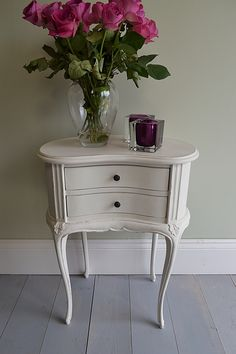 This French style bedside table is beautifully elegant with its slender curve legs and would make a delightful companion for your bedroom. Blue Furniture, Shabby Chic Furniture, Shabby Chic Decor, Vintage Furniture, Rustic Industrial Decor, Rustic Chic, Rustic Decor, Bedside Table Design, Bedside Tables