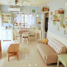 nikonikoさんの、子供と暮らす。,壁紙ペイント,腰壁DIY,部屋全体,のお部屋写真