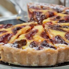 The Alsatian plum pie Tart Recipes, Sweet Recipes, Dessert Recipes, Sweet Pie, Sweet Tarts, Plum Pie, Thermomix Desserts, Yummy Cakes, Food Dishes