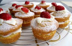 Baked Goods, French Toast, Cheesecake, Cooking Recipes, Cupcakes, Treats, Baking, Breakfast, Sweet