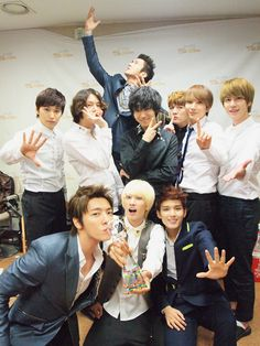"Super Junior's ""Mr. Simple"" Is taking the world! (No surprise) they are the best! Supreme by far :D"