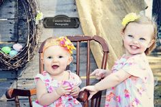 Easter/Spring photography. Two sisters. Being so sweet! ||| Cameron Hinkle Photography |||