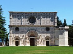 The church of Santa Maria di Collemaggio in L'Aquila, as it was before the devastating earthquake of 6 April 2009.