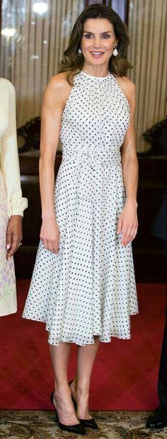 Queen Letizia - #dots Carolina Herrera dress - Magrit pumps - Coolook earrings