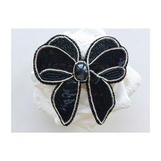 Бант из бисера брошь Embroidered bead brooch  . Bead jewelry