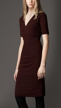 Burberry - CONTRAST PLEATED DRESS