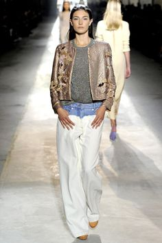 Dries Van Noten Spring 2011 Ready-to-Wear Collection Slideshow on Style.com