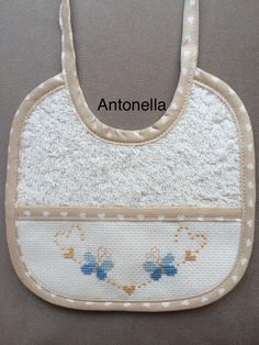 Cross Stitch For Kids, Baby Sewing Projects, Baby Hands, Baby Patterns, Baby Bibs, Applique, Embroidery, Crochet, Handmade