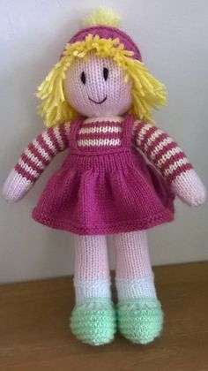 knitted doll patterns Welcome to DreamDollies, all our hand knitted dolls have their own special dream. This is Catriona. Her dream is to see a snowman! She is hand knitted in ac Knitted Dolls Free, Knitted Bunnies, Knitted Doll Patterns, Knitted Bags, Crochet Dolls, Knitting Patterns Free, Knitting For Charity, Baby Knitting, Free Knitting