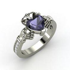 Customized King Claddaugh Ring