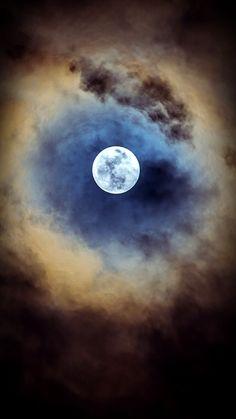 October moon beams....                                                                                                                                                                                 Mais