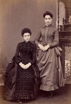 I am positively smitten with both of these lovely young Victorian women's dresses. #Victorian #19th_century #1800s #photograph #antique #vintage #woman #dress #costume