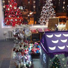 Tumar Art Salon on Christmas Eve.
