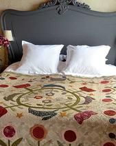 Bixby's Garden.Applique quilt by Dawn Heese from the book- From The Linen Closet published by Quiltmania Closet Designs, Dawn, Photo Galleries, This Is Us, Applique, Quilts, Gallery, Bed, Garden