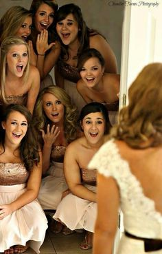 Bridesmaids first look at the beautiful bride photo idea