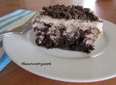 Oreo Puddin' Poke Cake with Instant Oreo Pudding & Chocolate Cake mix--simple!