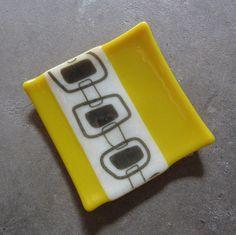 Bathroom Decor yellow Yellow home decor, Bathroom Decor, Fused Glass Plate. Slumped Glass, Fused Glass Plates, Fused Glass Art, Glass Dishes, Stained Glass, Glass Fusion Ideas, Glass Fusing Projects, Bee Creative, Yellow Home Decor