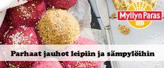 Voileipäkakkurulla porotäytteellä | Reseptit | Kinuskikissa Log Cabin Christmas, Christmas Gingerbread House, Vanilla Yogurt, Vanilla Flavoring, Oreo Biscuits, Cheesecake, Cooking Measurements, Baking Parchment, Pastries