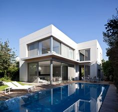 SP House - Picture gallery #architecture #interiordesign #swimmingpool