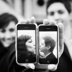 Cute idea for the tech-savvy couples! These couples got creative with their iphones!