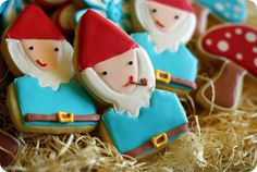 Adorable gnome & mushroom cookies | @bridget