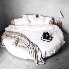 Circle bed More