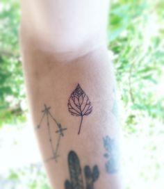 Leaf tattoo TPM - Tatuagem Para Mulheres