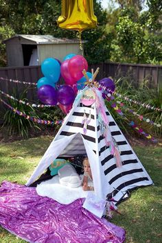 Looking for a party you'll swoon over? This Boho Teepee Birthday Party will do the trick! Sons Birthday, 2nd Birthday Parties, Girl Birthday, Birthday Ideas, Bohemian Theme, Bohemian Style, Boho, Teepee Party, Garden Birthday