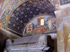 Galla Placidia Mausoleum – Smalti & Mosaic Gold – Byzantine Mosaics – Ravenna, Italy | Mosaic Art Source