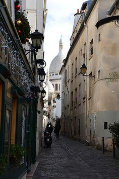 Paris France Le coeur de la ruelle by Franck Dupuis on Flickr.