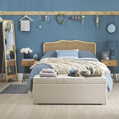 Get inspired by these gorgeous schemes to decorate with blue