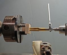 Wood Turning Lathe, Wood Turning Projects, Projects To Try, Woodturning Tools, Garage Tools, Metal Working, Door Handles, Woodworking, Home Decor