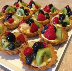 To all those that have requested me earlier than for this recipe, i'll publish i… Easy Chicken Dinner Recipes, Easy Meals, Fruit Tart, Tart Recipes, Delicious Desserts, Food Porn, Breakfast, Sweet, Tarts