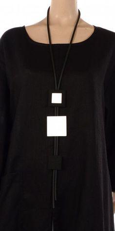 necklace with squares / squares necklace ` necklace with squares ` crochet necklace pattern granny squares Fabric Jewelry, Jewelry Art, Jewelry Necklaces, Fashion Jewelry, Silver Jewelry, Fashion Accessories, Bijoux Design, Schmuck Design, Jewelry Design
