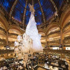 Paris est une Fête! — Galeries Lafayette Haussmann Christmas tree.