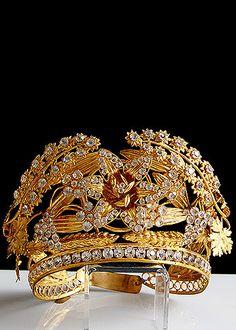 ❤ - 19th Century Gilt Brass Repousse Trembleuse Tiara with Facet Cut Glass Jewels