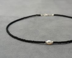 Necklaces Boho One white pearl, Silver 925 beads and black sead bead necklace - short necklace - one pearl necklace - Chocker necklace - Boho jewelry - Pearl Jewelry, Boho Jewelry, Beaded Jewelry, Jewelery, Jewelry Accessories, Jewelry Necklaces, Jewelry Design, Beaded Bracelets, Pearl Beads