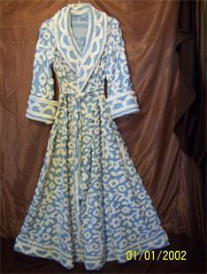 love everything about this vintage chenille robe