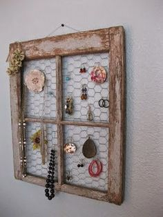 FOR BRISTOL's BOWS - I've never admired chicken wire so much as I did when I discovered this DIY jewelry holder from Life. Hooray for old window frames! Vintage Windows, Old Windows, Old Window Frames, Old Window Ideas, Window Panes, Display Window, Diy Jewelry Holder, Hang Jewelry, Earring Holders