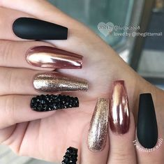 What Christmas manicure to choose for a festive mood - My Nails Gold Chrome Nails, Copper Nails, Rose Gold Nails, Glitter Nails, Coffin Nails Long, Long Acrylic Nails, Cute Nails, My Nails, Party Nails