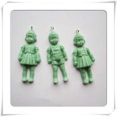 3 hangers jongetje/meisje mint kleur - www.merulala.nl #retropoppetje #giethars #handmade