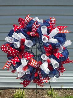Curly Cue Personalized Initial Wreath by EastCarolinaGirl on Etsy Deco Mesh Crafts, Wreath Crafts, Diy Wreath, Tulle Wreath, Wreath Making, Wreath Ideas, Patriotic Wreath, Patriotic Decorations, 4th Of July Wreath